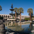 Picture - A large pond in the Plaza de Armas in Arequipa.