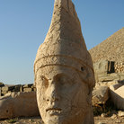 Picture - A statue at Nemrut Dagi.