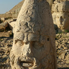 Picture - A stone head at Nemrut Dagi.