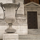Picture - A vase sculpture in front of the New York City Public Library.