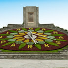 Picture - The floral clock along the Niagara Parkway, operated by the Niagara Parks Botanical Gardens and School of Horticulture.