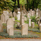 Picture - Jewish cemetery in Prague.