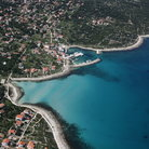 Picture - An aerial view over the coastline of Olib.