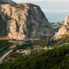 Picture - Dramatic rock cliffs around Omis.