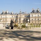 Picture - Artists in front of the Palais du Luxembourg in Paris.
