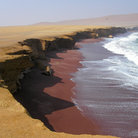 Picture - Brown beach on the Paracas Peninsula.