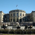 Picture - Exterior of Oslo's House of Parliament.