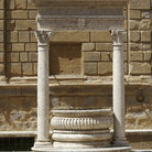 Picture - The old well in the Piazza Pio II in Pienza.