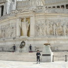 Picture - Guards in front of the Monument of Victor Emmanuel II in Rome.
