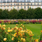 Picture - Paris' Place de la Concorde with the gates of Tuileries Garden & Hôtel de la Marine.