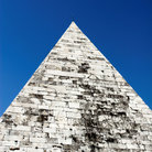 Picture - The Pyramid of Cestius in Rome.