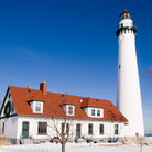 Picture - The wind point lighthouse in Racine during the winter.