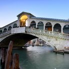 Picture - Rialto Bridge in Venice.