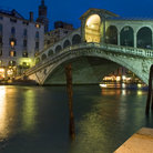 Picture - The Rialto Bridge in Venice.