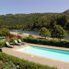 Picture - Resort along Rogue River in Oregon.
