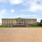 Picture - Front of the Royal Palace in Oslo.