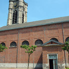 Picture - Granite bell tower, red brick Church - Saint-Julien, Ath.