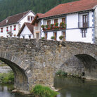 Picture - Stone bridge and houses in Ochagavia.