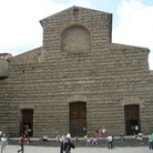 Picture - Tourists outside San Lorenzo in Florence.