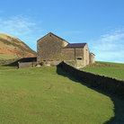Picture - Stone wall and barn near Sedbergh.