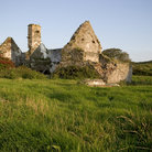 Picture - Ruins of a cottage on Sherkin Island.