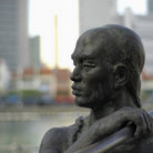 Picture - Statue on the Singapore River.