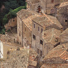 Picture - The tile roofs of Sorano.