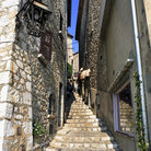 Picture - Stairs in a narrow alley of Saint Paul de Vence.