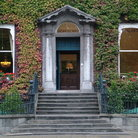 Picture - Vine covered house on St Stephen's Green in Dublin.