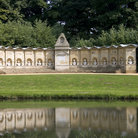 Picture - Structure at the Stowe Gardens at Buckingham.