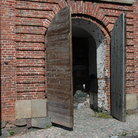 Picture - Old doors on Suomenlinna.