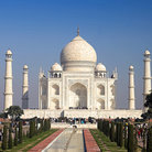 Picture - Front view of the Taj Mahal, Agra.