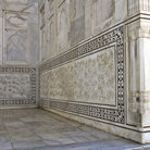 Picture - Detail of a wall of theTaj Mahal in Agra.