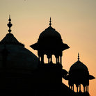 Picture - Silhouette of the Taj Mahal in Agra.