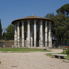 Picture - Templo of Vesta or Rotondo from reign of Augustus in Rome.
