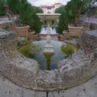 Picture - Fountain and pond at Vizcaya Museum and Gardens.