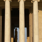 Picture - Columns and statue of the Jefferson Memorial in Washington.