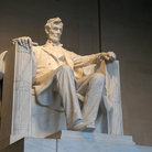 Picture - Statue at the Lincoln Memorial in Washington.