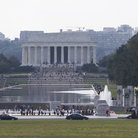 Picture - Distant view to the Lincoln Memorial in Washington.