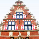 Picture - Ornate front of the Zwaanendael Museum in Lewes.