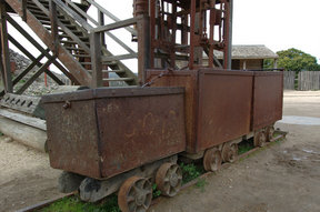 Picture - Old equipment at Ballarat.