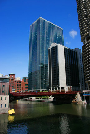 Picture - The Dearborn Street Bridge in Chicago.