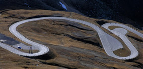 Picture - The winding road to Grossglockner.
