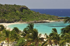 Picture - White sand beach and turquoise waters at Playa Esmeralda in Holguin.
