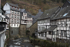 Picture - Houses in town of Monschau.