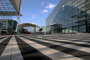 Picture - Munich Airport, Hotel and Terminal.