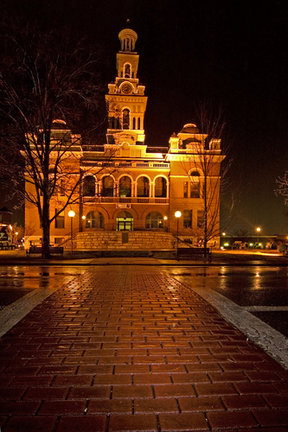 Picture - Evening view of the Sevier County Courthouse in Sevierville.