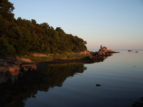 Picture - Calm water at Thimble Islands.