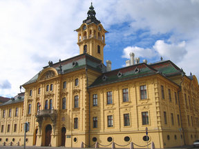 Picture - Town hall in Szeged.
