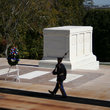 Tomb of the Unknown Soldier, Arlington Cemetery, Washington.